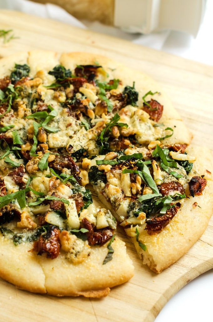 Blue Cheese, Spinach & Sun Dried Tomato Pizza - with Gluten Free Quinoa Crust