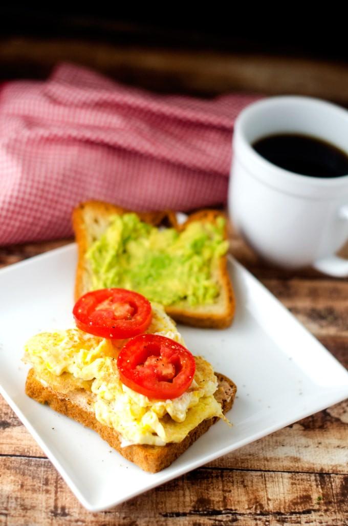 egg-avocado-tomato-sandwich-2
