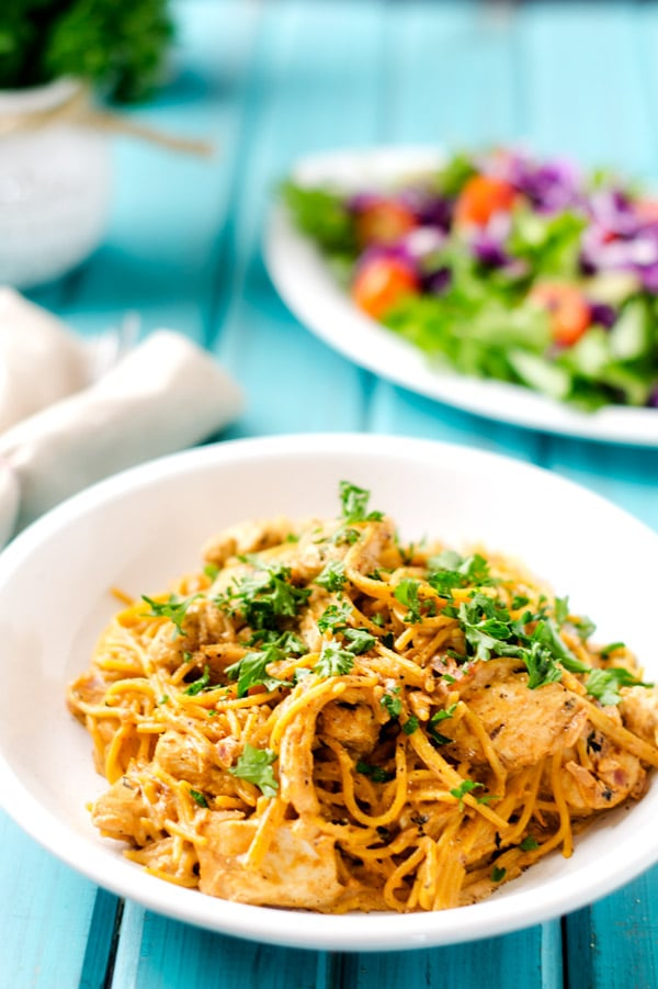 Chicken Stroganoff with Quinoa Pasta - This gluten free pasta recipe is so easy to make and makes a fantastic dinner.  Make it vegan by using tempeh and non-dairy yogurt and sour cream. - WendyPolisi.com