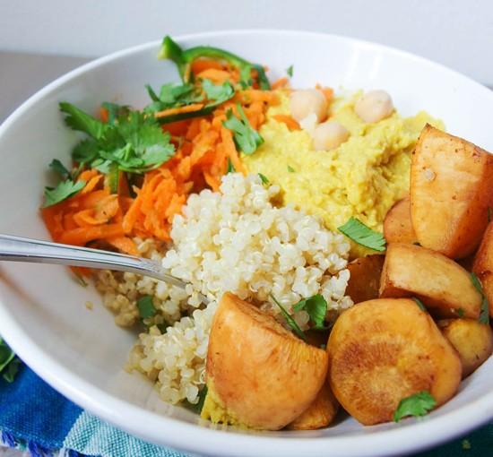 mango_curry_hummus_quinoa_bowls_1
