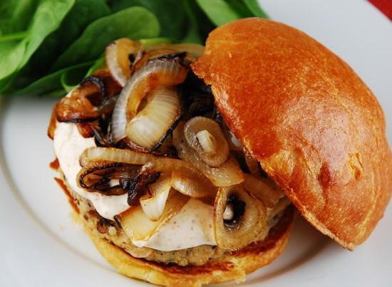 onion-quinoa-burger