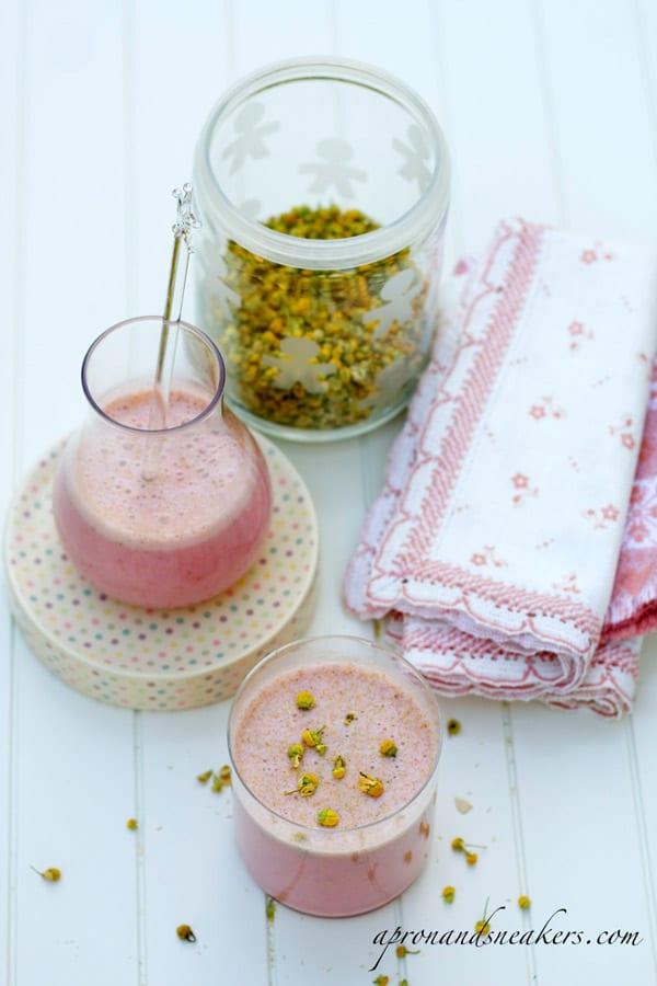 Strawberry Chamomile Quinoa Smoothie