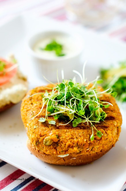 sweet-potato-quinoa-burger-32