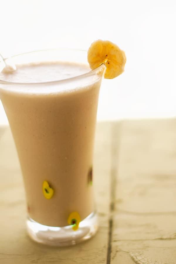 Almond Butter Banana Quinoa Smoothie - WendyPolisi.com