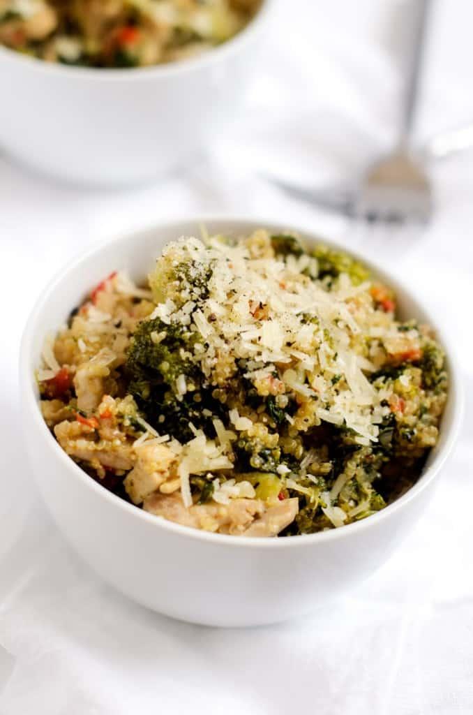 broccoli-spinach-quinoa-skillet-2-678x1024