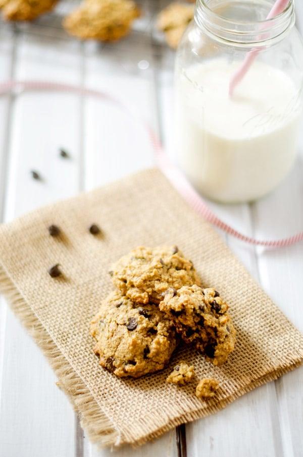 Flourless Chocolate Chip Quinoa Cookies