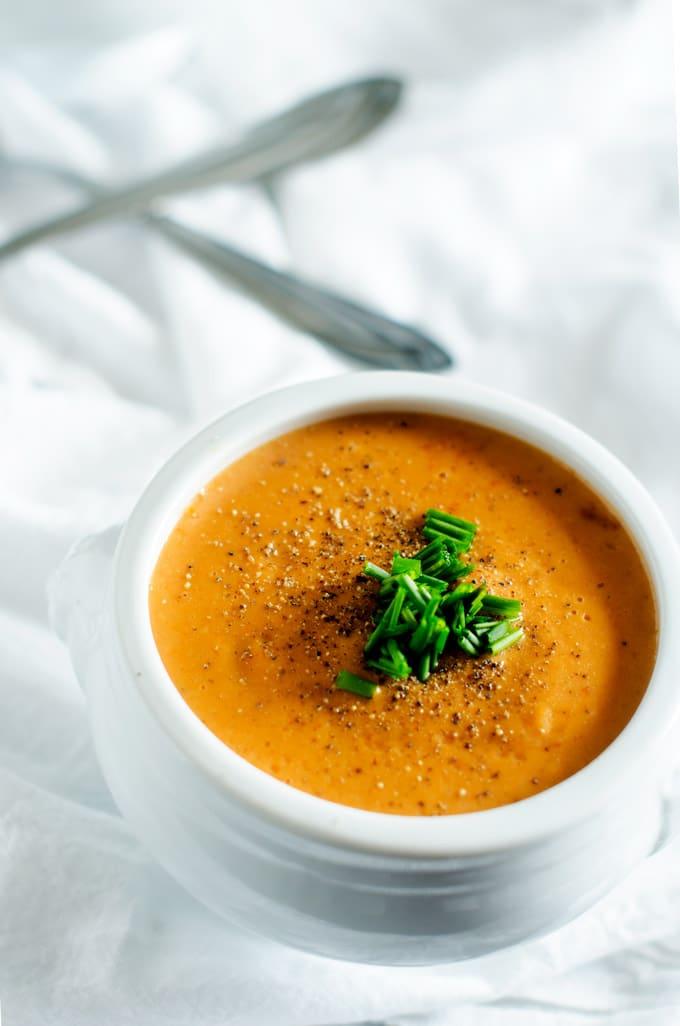 Creamy Garlic Tomato Soup - WendyPolisi.com