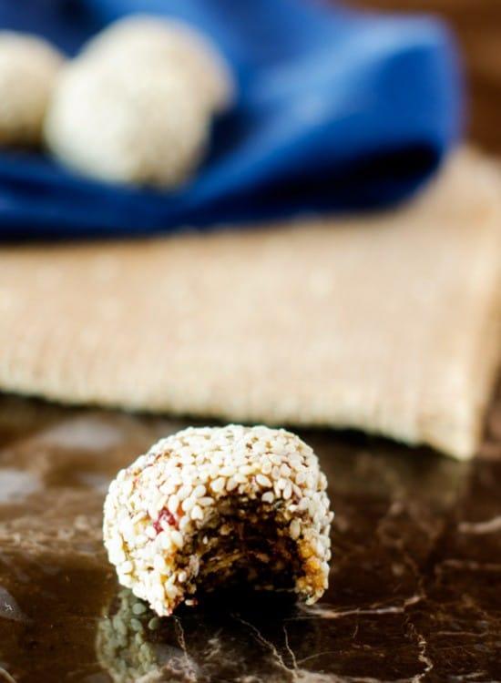 quinoa-power-balls