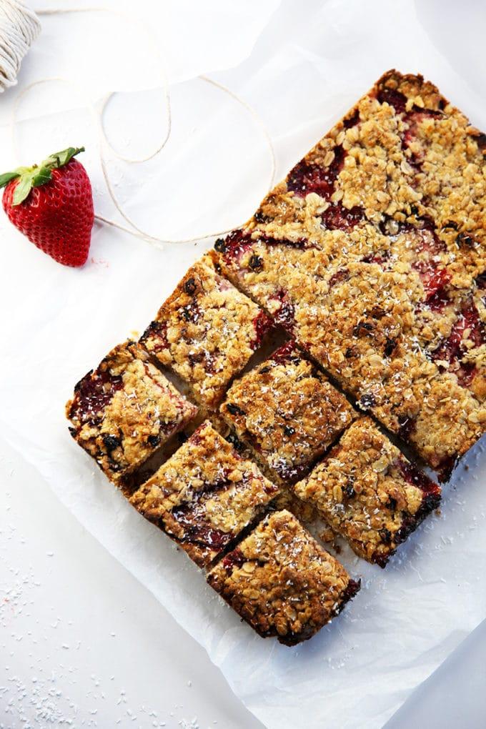 strawberry-coconut-muesli-squares