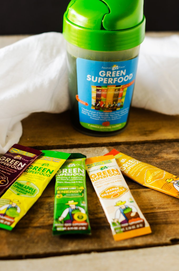 Amazing Grass Green SuperFood Review #MomsMeet
