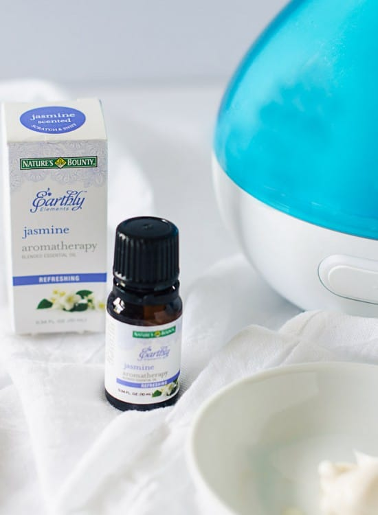 jasmine-essential-oil2