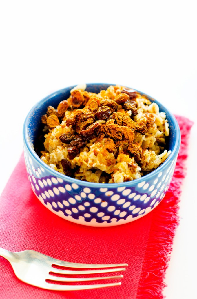 Diabetic Friendly Cinnamon Raisin Oatmeal - This easy to make breakfast recipe is a great way to start your day off right!  #SteadyisExciting - WendyPolisi.com