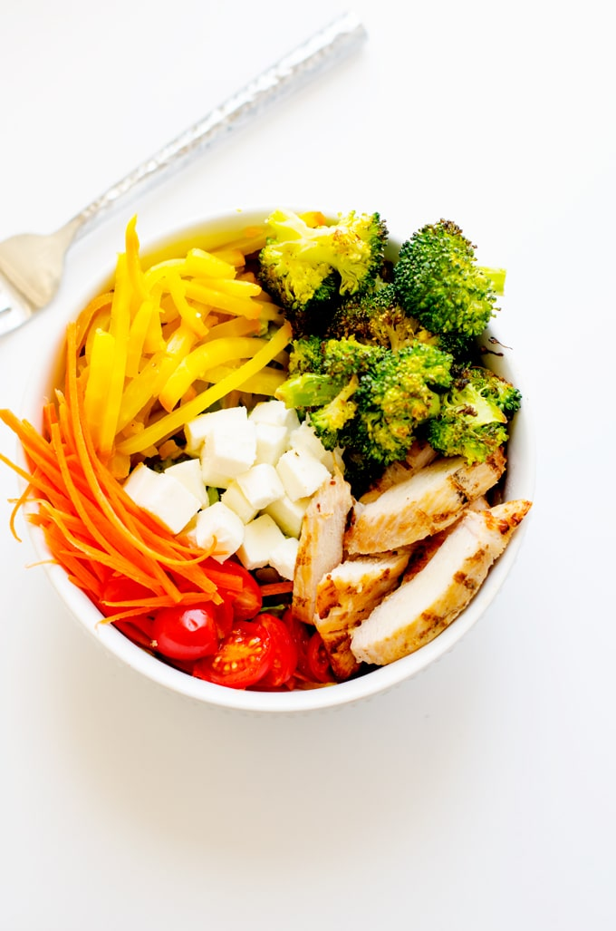 Roasted Golden Beet & Broccoli Salad Bowl with Chicken - This easy to make salad bowl is packed with nutrients and so delicious! Packed with vegetables your body will thank you.