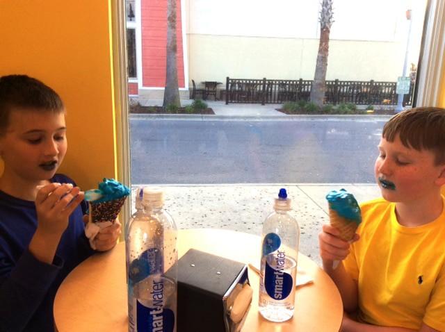 boys-ice-cream