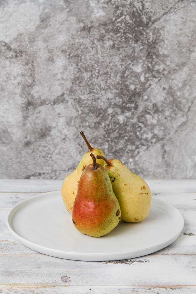 cranberry-spice-poached-pears