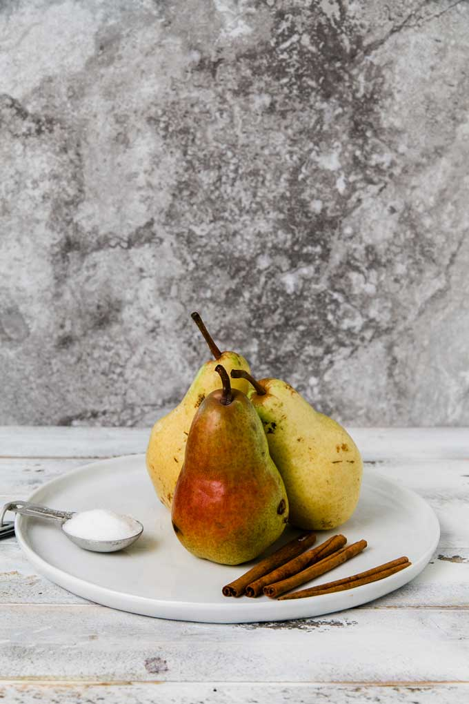 cranberry-spice-poached-pears_1