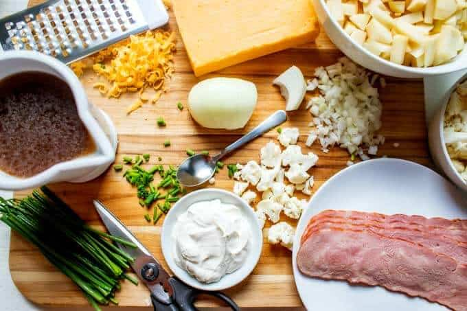 Ingredients to make Cauliflower and Potato Soup