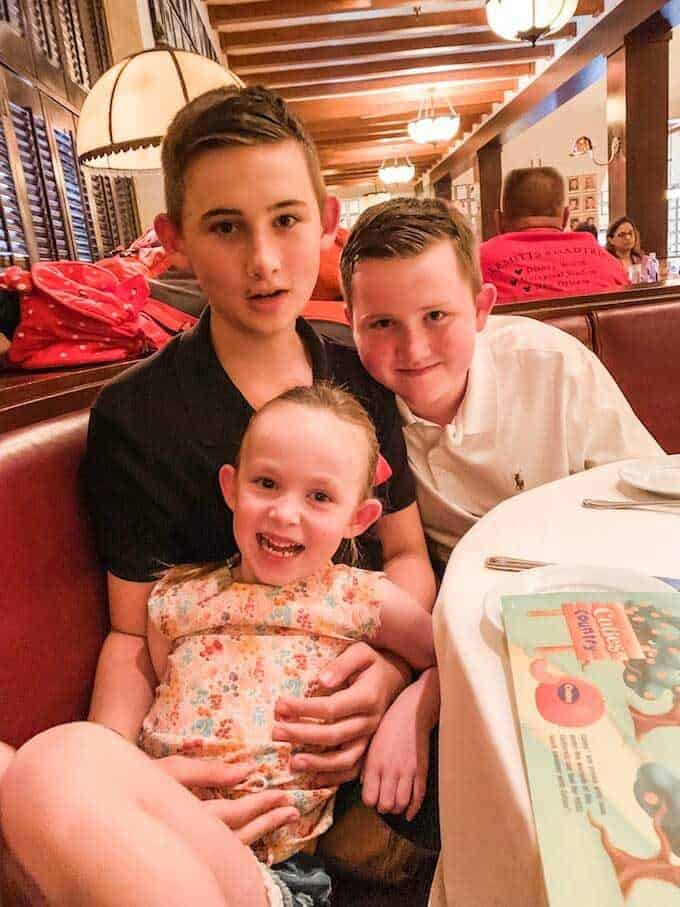 Photo of three kids in the Brown Derby at Disney's Hollywood Studios.
