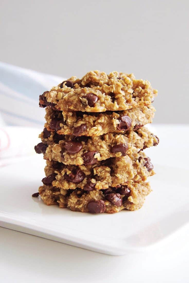 Gluten-Free Oatmeal Chocolate Chip Cookies with Quinoa Flakes